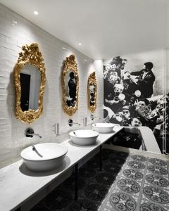 Beautiful-restroom-design-public-toilet-interiors-14