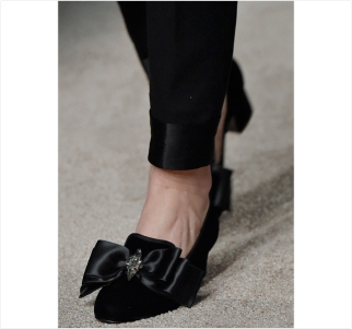 alberta-ferretti-fal-winter-2015-accessories-milan-fashion-week-shoes-victorian-03